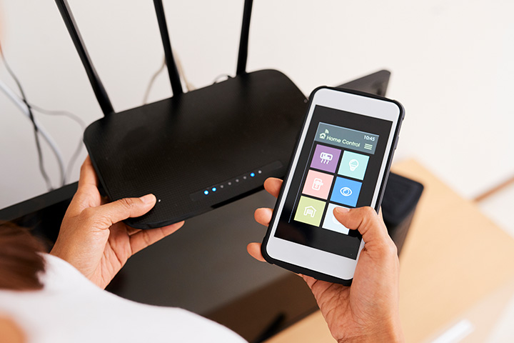 phone-next-to-wifi-router-distance-between-devices
